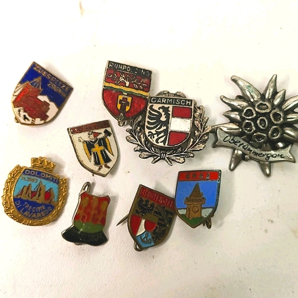 Vintage mixed lot of  pins (European or Russian)